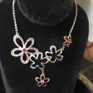 New Avon Floral Accent Statement Necklace Silver